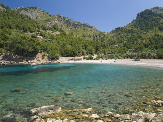 ruth-tomlinson-view-across-the-turquoise-waters-of-cala-tuent-near-sa-calobra-mallorca-balearic-islands-spain