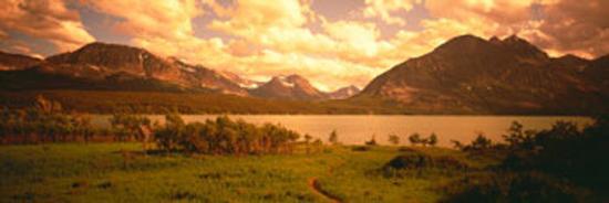 saint-mary-lake-montana-usa