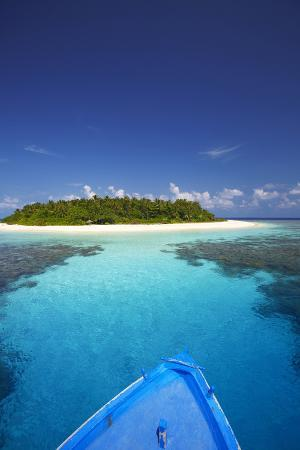 sakis-papadopoulos-boat-heading-for-desert-island-maldives-indian-ocean-asia
