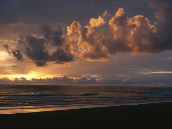 sam-abell-twilight-view-of-pacific-ocean-from-oregon-coast