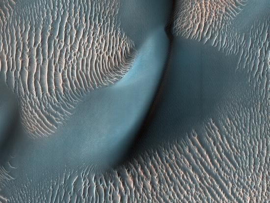 sand-dunes-on-mars-satellite-image
