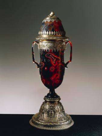 sardonyx-vase-with-cover-silver-gilt-setting