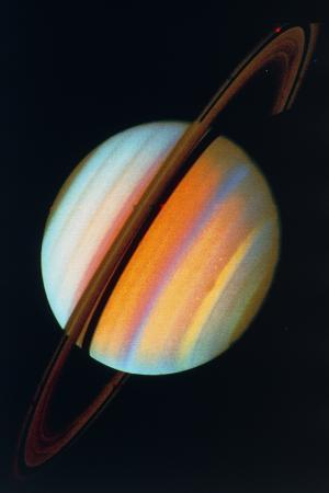 saturn-and-rings-from-voyager-1