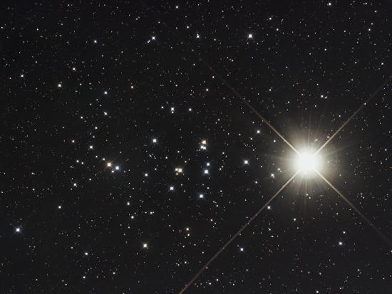 saturn-in-the-beehive-star-cluster