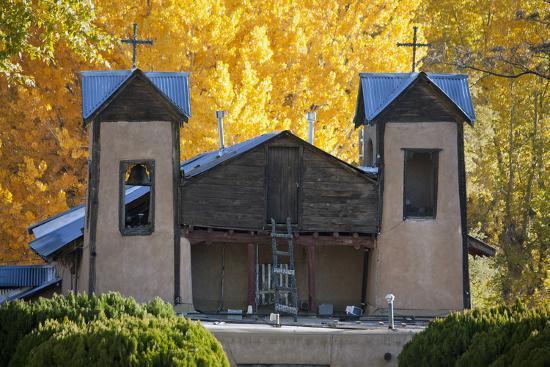 scott-s-warren-el-santuario-de-chimayo-a-famous-church-along-the-high-road-to-taos-new-mexico