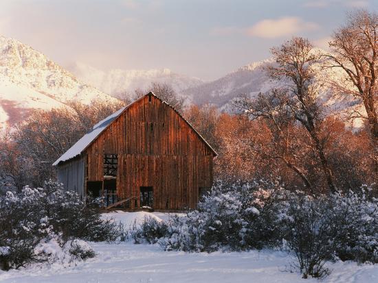 scott-t-smith-barn-below-bear-river-range-in-winter-utah-usa