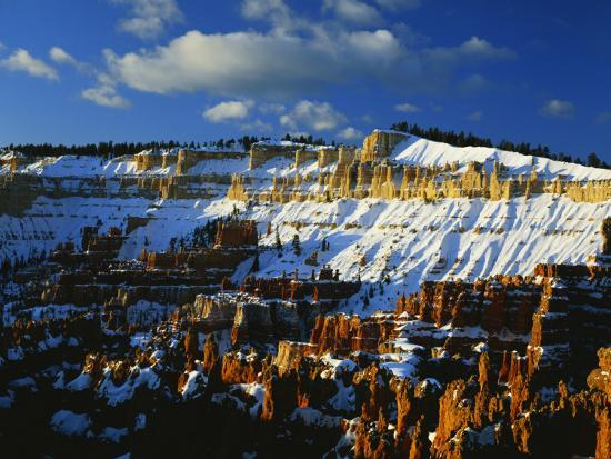 scott-t-smith-snow-covered-cliffs-and-hoodoos-bryce-canyon-national-park-colorado-plateau-utah-usa