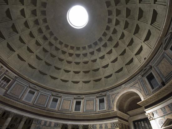 scott-warren-light-shines-down-from-the-oculus-in-the-dome-of-the-pantheon