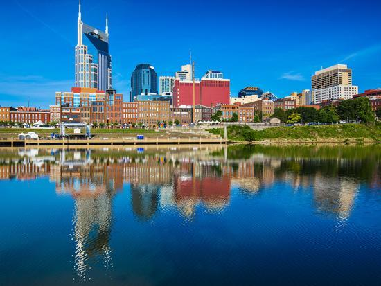 seanpavonephoto-nashville-tennessee-downtown-skyline-at-cumberland-river