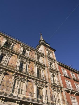 sergio-pitamitz-building-on-the-plaza-mayor-madrid-spain-europe