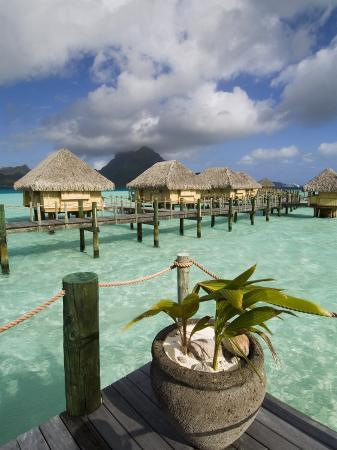 sergio-pitamitz-pearl-beach-resort-bora-bora-leeward-group-society-islands-french-polynesia