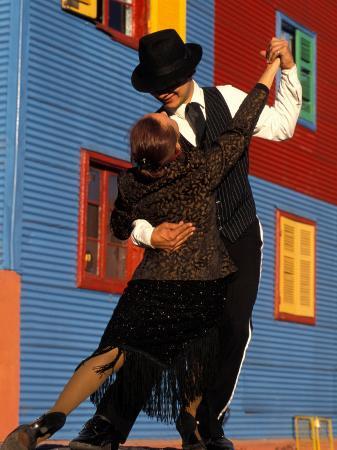 sergio-pitamitz-tango-dancers-on-calle-caminito-la-boca-district-buenos-aires-argentina