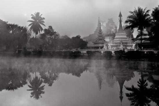 shan-style-stupas-of-wat-king-klang-and-wat-jong-kham