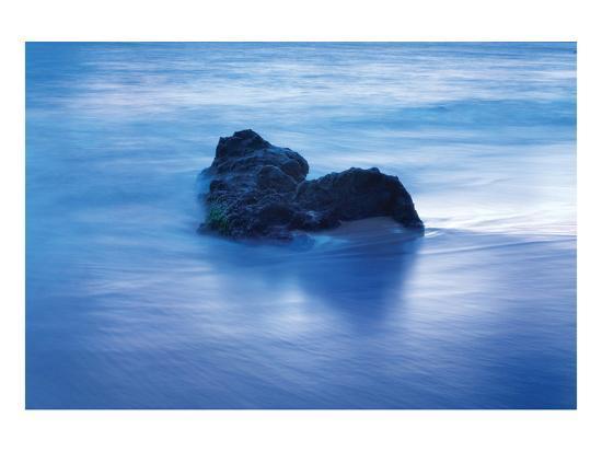 shane-settle-coastal-rocks-in-hawaii