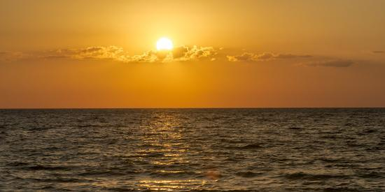 sheila-haddad-beautiful-orange-sunset-over-the-gulf-of-mexico-from-anna-maria-island-florida