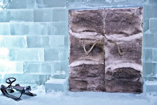 sheila-haddad-fur-lined-doors-to-ice-hotel-in-northern-sweden