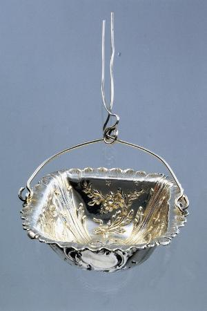 silver-strainer-with-embossed-decorations-and-hanger-minerva-hallmark-france-late-19th-century