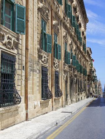 simon-montgomery-auberge-de-castille-one-of-valletta-s-most-magnificent-buildings-valletta-malta-mediterranean-e