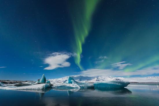 simonekesh-aurora-borealis-in-jokulsarlon-iceland-ice-lagoon