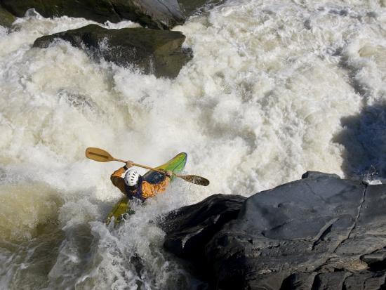 skip-brown-kayaker-paddles-off-a-waterfall-into-big-whitewater