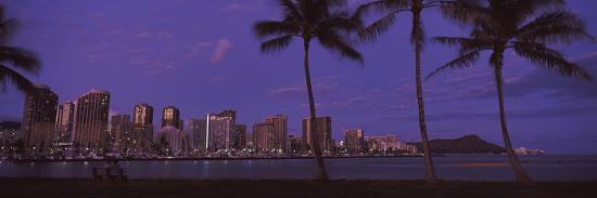 skyscrapers-at-the-waterfront-honolulu-hawaii-usa-2010
