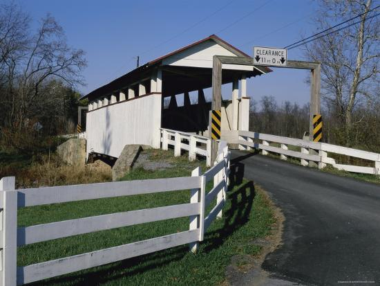snooks-covered-bridge-bedford-county-pennsylvania-usa