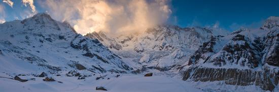 snowcapped-mountain-annapurna-base-camp-annapurna-range-himalayas-nepal