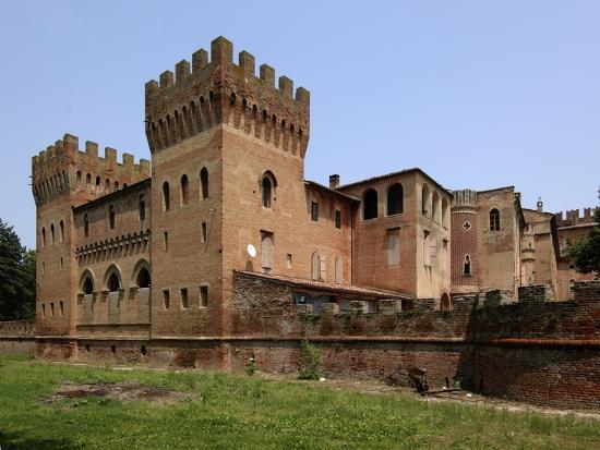 sommi-picenardi-castle-18th-century