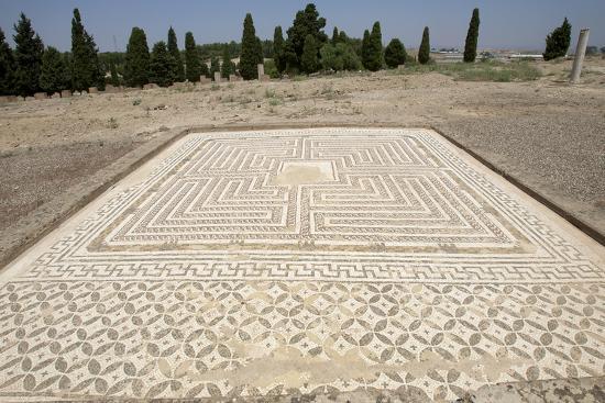 spain-italica-house-of-the-neptune-labyrinth-mosaic-domus-roman