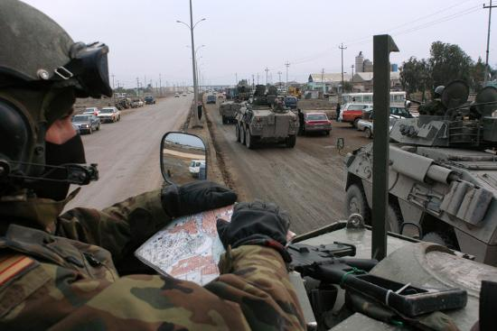 spanish-troops-patrol-the-streets-of-diwaniyah-iraq