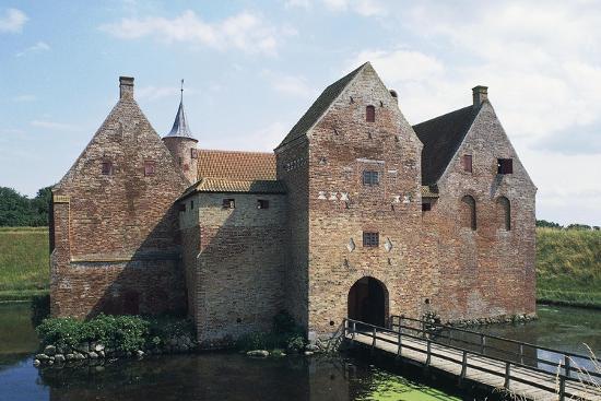 spottrup-castle-denmark