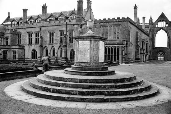 staff-newstead-abbey