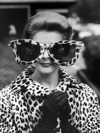 stan-wayman-model-june-pickney-sporting-leopard-fur-coat-and-huge-leopard-fur-rimmed-sunglasses