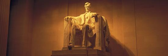 statue-of-abraham-lincoln-lincoln-memorial-washington-d-c-usa