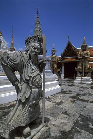 statue-of-royal-palace-in-bangkok-thailand-18th-19th-century