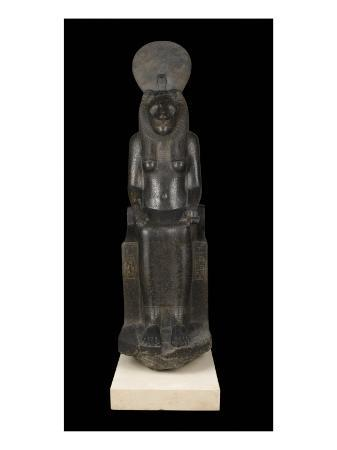 statue-of-sekhmet-goddess-with-the-head-of-a-lioness