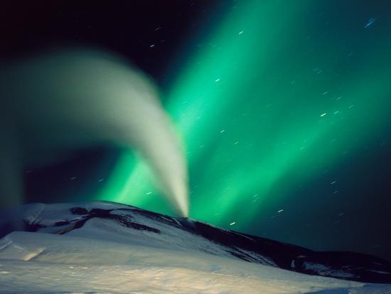 steam-erupting-from-a-geyser-svartsengi-power-plant-iceland