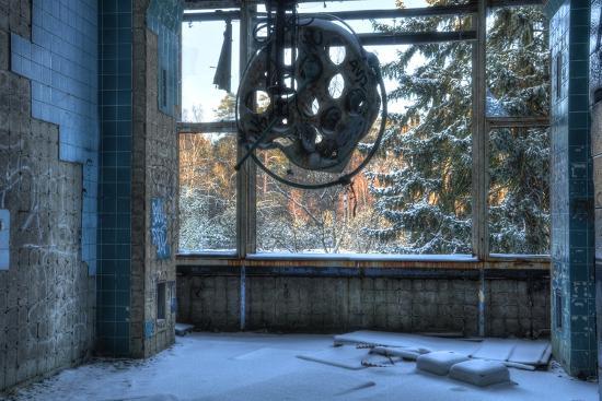 stefan-schierle-abandoned-operating-theater-in-beelitz