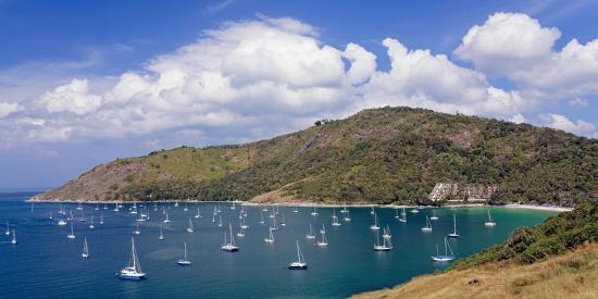 steffen-beuthan-thailand-phuket-nai-harn-beach-bay-sailboats