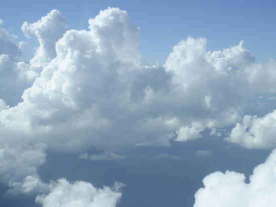 stephen-alvarez-clouds-float-over-belize