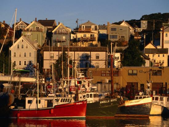 stephen-saks-commercial-fishing-boats-in-gloucester-harbour-cape-ann-massachusetts-usa