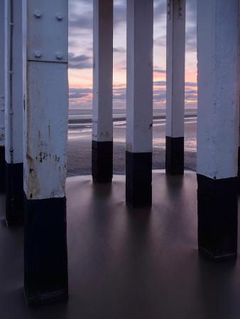 stephen-spraggon-abstract-of-the-legs-of-burnham-on-sea-s-wooden-lighthose-somerset