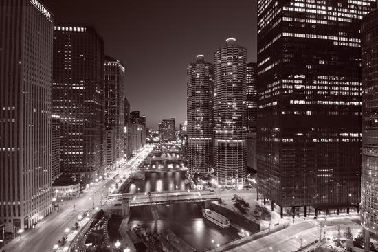 steve-gadomski-chicago-river-bend-black-white