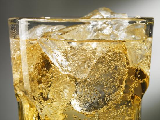 steve-lupton-close-up-of-cider-on-ice