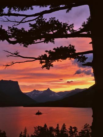 steve-terrill-montana-glacier-np-st-mary-lake-and-wild-goose-island-at-sunset