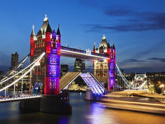 steve-vidler-england-london-southwark-tower-bridge