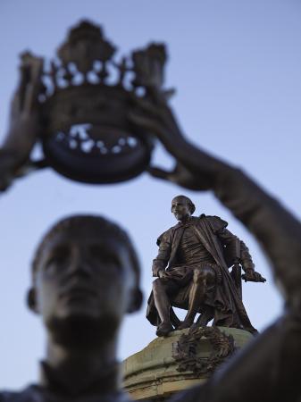 steve-vidler-england-warwickshire-stratford-upon-avon-shakespeare-statue