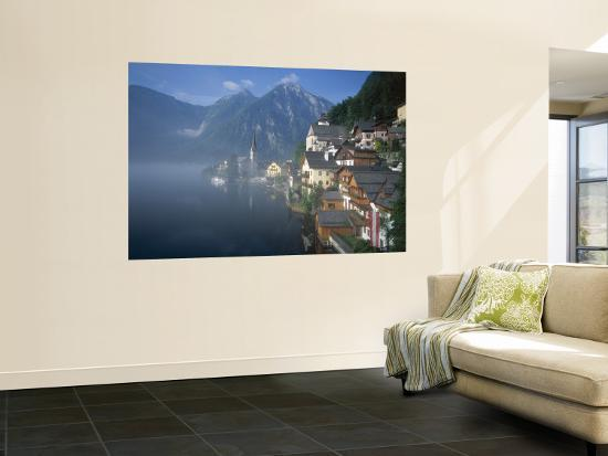 steve-vidler-village-with-mountains-and-lake-hallstatt-salzkammergut-austria