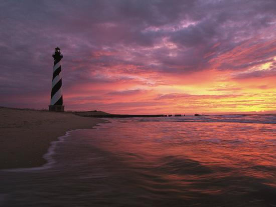 steve-winter-the-198-foot-tall-lighthouse-on-cape-hatteras