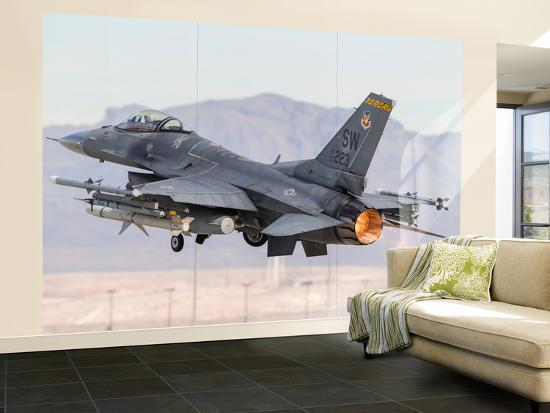 stocktrek-images-a-u-s-air-force-f-16c-fighting-falcon-taking-off